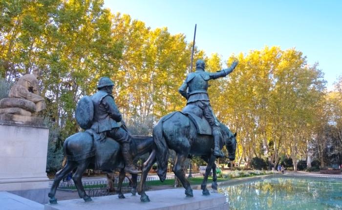 マドリード スペイン広場 ドンキホーテとサンチョ・パンサの像