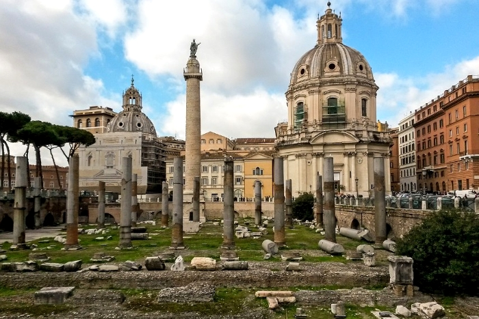 ローマの美術・トラヤヌス帝の記念柱