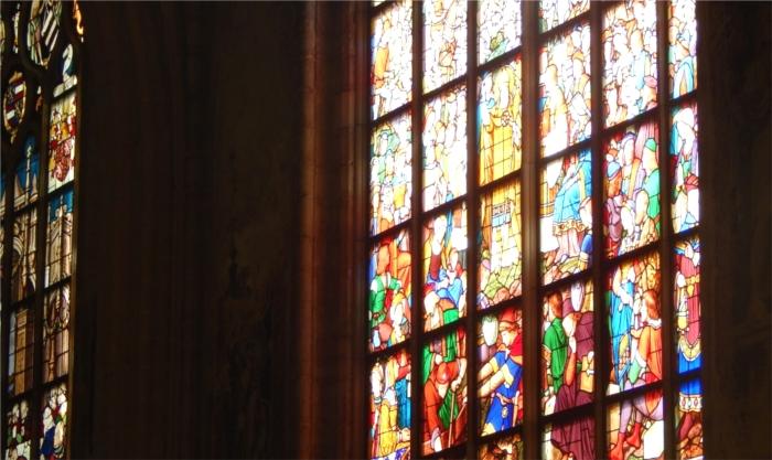 アントワープ・ノートルダム大聖堂のステンドグラス
