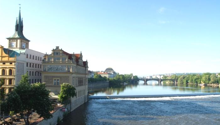 プラハとヴァルタヴァ河